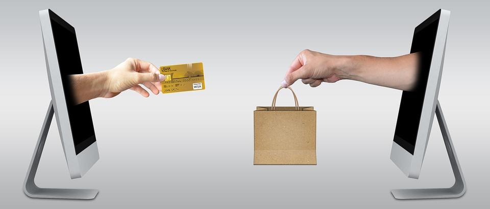 PackshotCreator infographics e-commerce