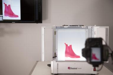 Packshot studio photographie produits compacts bottes
