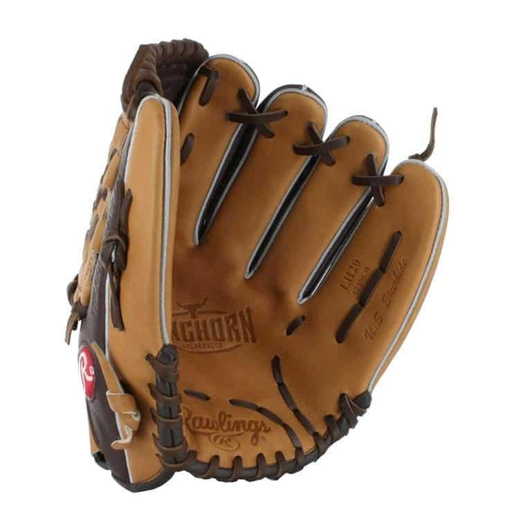 baseball glove packshot