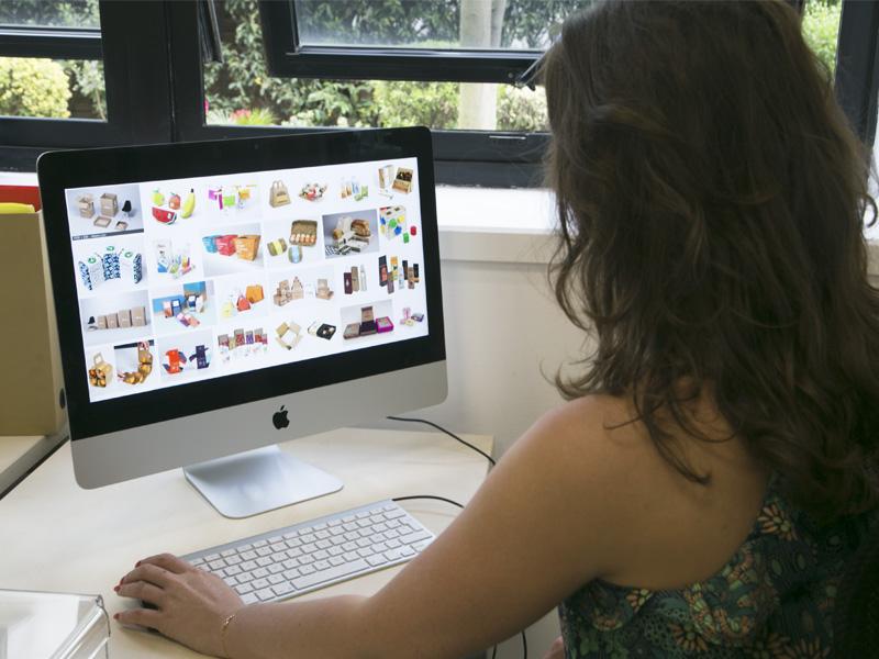 E-commerce photographer packaging design