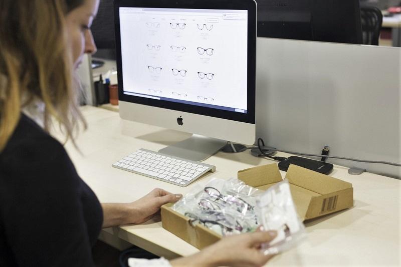 Packshot 360 eyeglasses e-commerce