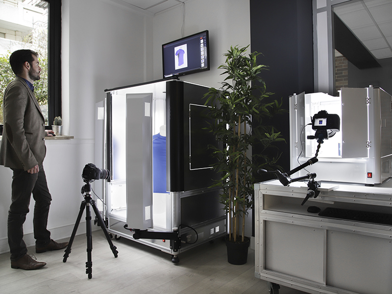 two photo studio at the PackshotCreator's showroom